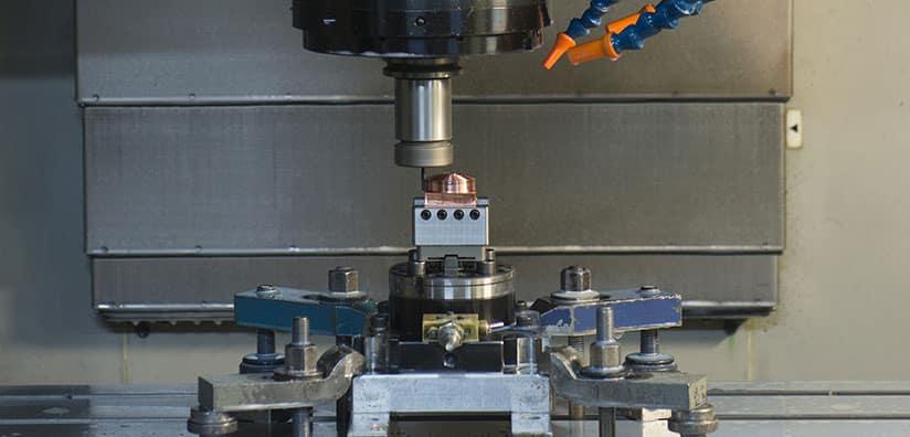 Usinage d'un moules métallique destiné à l'injection de matière plastique